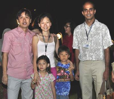 Vincent Wijeysingha with Jaslyn Go and family